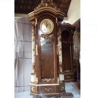 wall standing clock